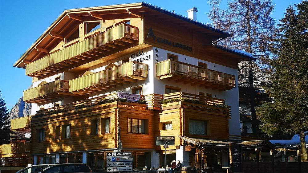 l'Hotel si trova in centro a Cortina
